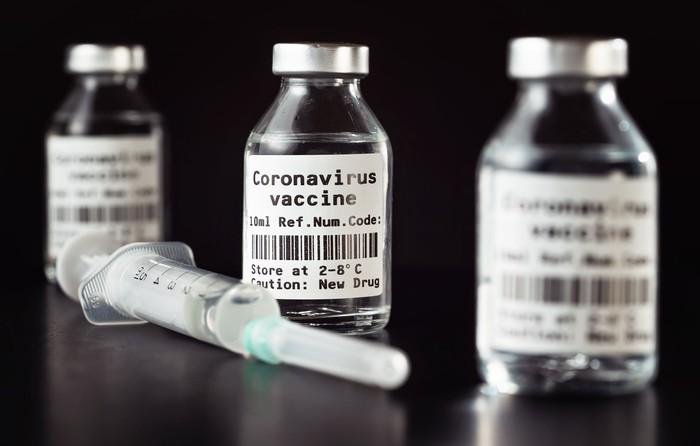 """Ehemaliger Senior Economist bei der Weltbank warnt: Das Spike-Protein ist der Killer – Vorsicht vor mRNA-""""Impfstoffen"""""""